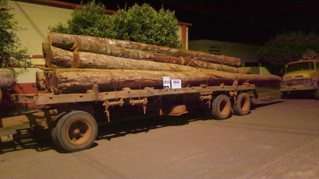 Three truckloads of logs seized in Gaúcha do Norte