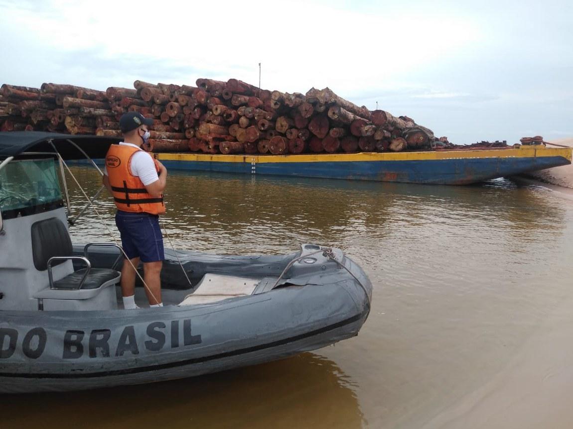 Four timber barges seized in Santarém